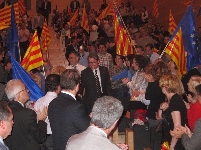 R.Tremosa y el pte.Artur Mas en campaña electoral de CiU