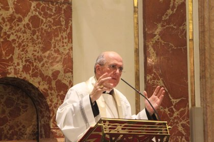 """Monseñor Osoro destaca la """"fuerza popular fuera de lo corriente"""" del 'Besamanos' de la Virgen"""