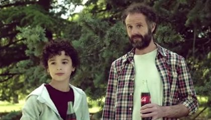 Coca-Cola retira la campaña publicitaria en la que participaba un actor que apoyaba a presos de ETA y pide perdón