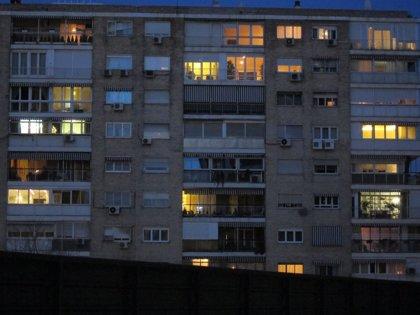 Economía/Energía.- El recibo de la luz español cae por debajo de la zona euro tras registrar la tercera mayor bajada