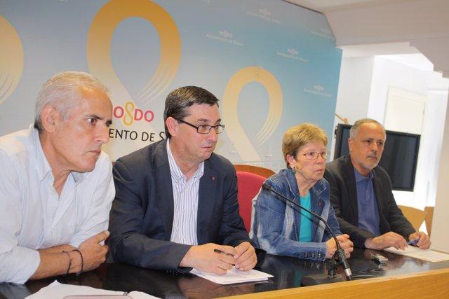 Arregui, Centella y García con la presidenta de la plataforma.