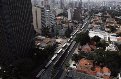 Una huelga de autobuses colapsa Sao Paulo