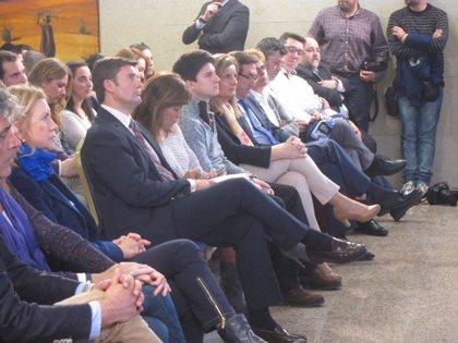 """(AM) Báñez garantiza en un acto con jóvenes del PP que """"el barco de las pensiones no se hunde"""" y """"subirán siempre"""""""