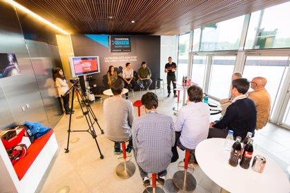 Los ganadores de la Powerade ION4 Madrid-Lisboa y periodistas, en bici a Lisboa para ver la final