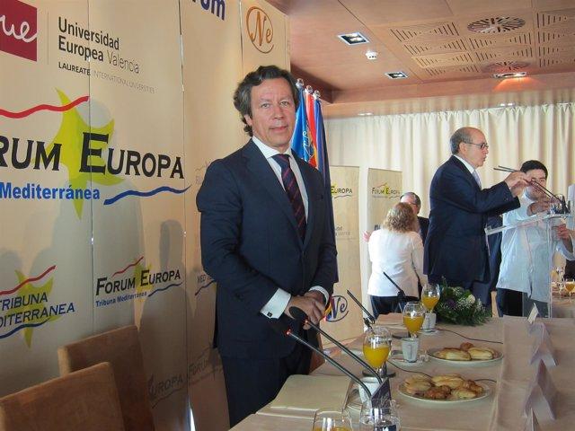 Floriano en el desayuno Fórum Europa