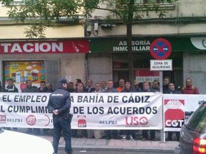 """PSOE se compromete con los extrabajadores de Delphi a """"mediar"""" con la Junta"""