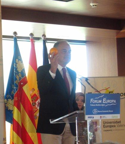 Pons se compromete a llevar una naranja a la UE y plantea un contrato a los valencianos para defenderlos