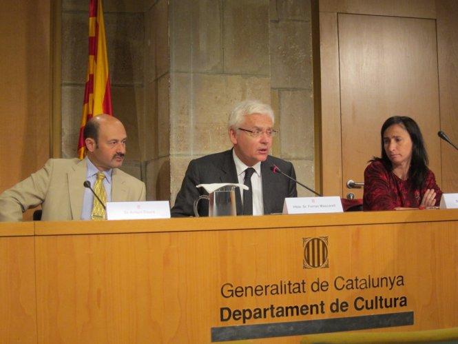 Firma del convenio de colaboración entre Cultura y el Gremi de Llibreters