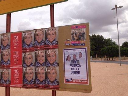 UPyD denuncia que CxA arranca sus carteles para poner los suyos