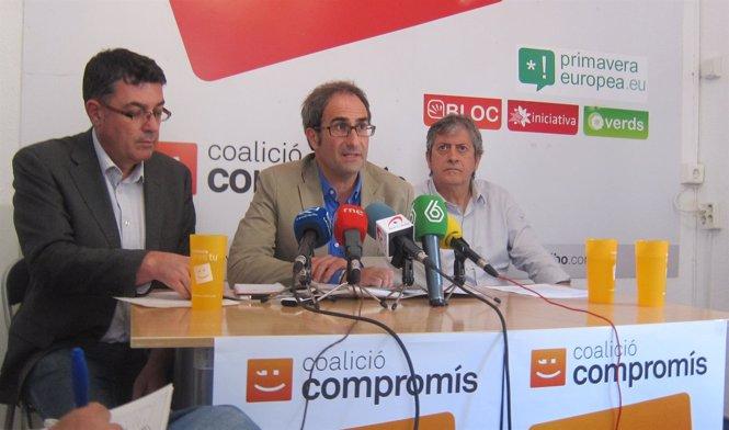 Enric Morera (i), Jordi Sebastià y Rafa Xambó (Compromís)