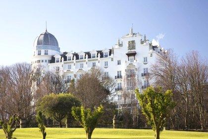 Las pernoctaciones en los hoteles cántabros se disparan un 30% en abril