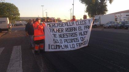 Segunda jornada de huelga de las plantillas de las subcontratas de Mercasevilla