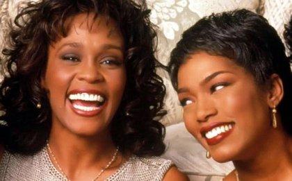 Angela Bassett dirigirá un telefilme sobre Whitney Houston que prepara Lifetime