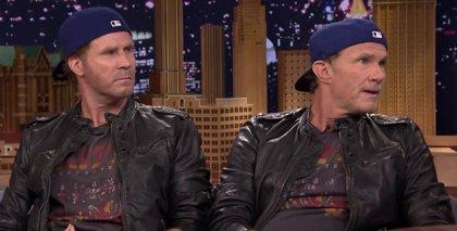 Will Ferrell y Chad Smith se baten en duelo