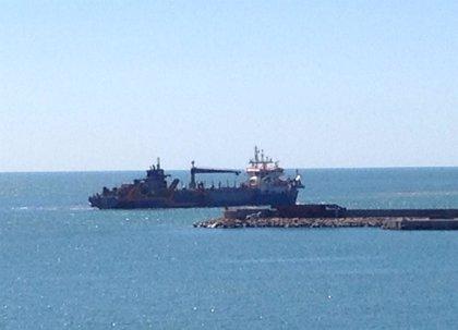 Puertos de la Generalitat inicia el dragaje del canal de entrada al puerto de Alcanar