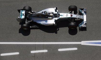 Hamilton lidera la última sesión de libres