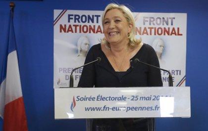 El Frente Nacional gana en Francia con el 25% de los votos, según sondeos
