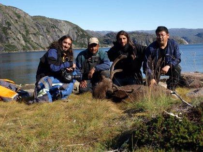 Los conquenses Alejando Pacios y Santiago David Domínguez presentan este lunes su documental sobre el poblado inuit
