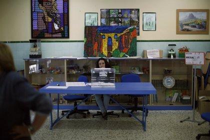 La participación en España en las elecciones europeas supera en medio punto la de 2009