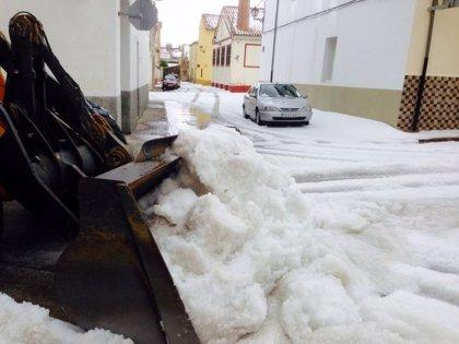 La lluvia en Vilafranca deja 110 l/m2 y el granizo alcanza los 20 centímetros