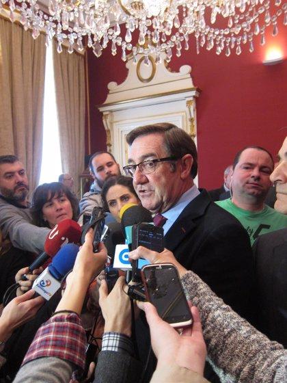 """Ángel Currás celebra la """"buena noticia"""" de la apertura de concurso para adjudicar la ampliación de la AP-9 en Santiago"""