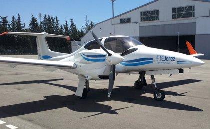 La escuela de pilotos Flight Training Europe Jerez recibe su quinta avioneta Daimond DA-42