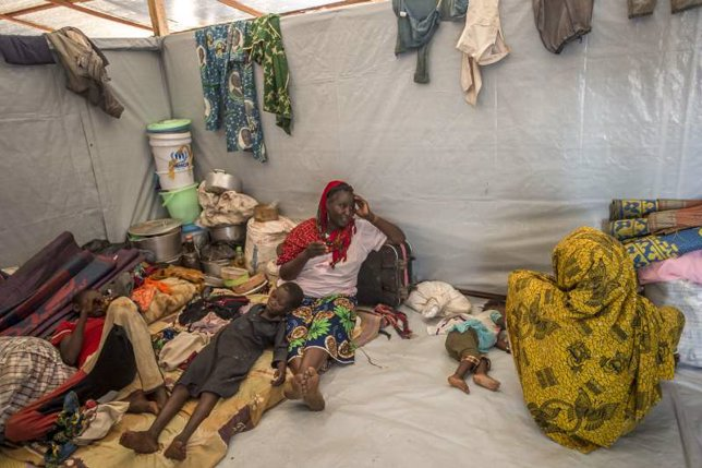 Ramatou descansa finalemente con sus hijos
