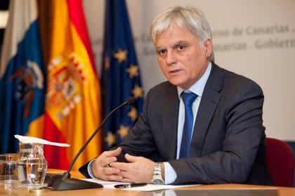 El secretario general del PSOE canario apoya a Susana Díaz como relevo de Rubalcaba al frente del partido
