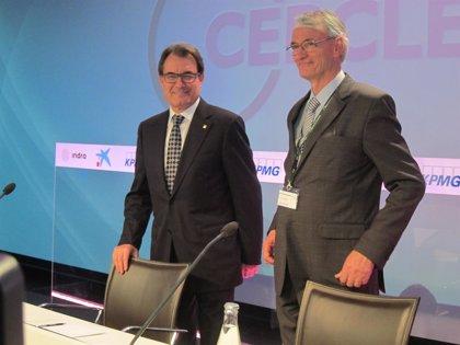 Mas deja claro ante empresarios catalanes que mantiene su hoja de ruta