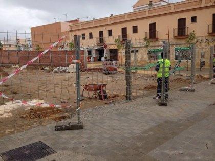 IU de Utrera advierte de una presunta irregularidad urbanística en el cerramiento del solar de El Muro