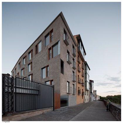 El edificio de viviendas domóticas de la calle Descalzos de Pamplona recibe uno de los premios Asprima-SIMA 2014