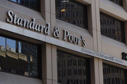 Standar & Poor's eleva un escalón la nota de solvencia de Extremadura