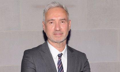 Roland Emmerich dirigirá la nueva trilogía de Stargate