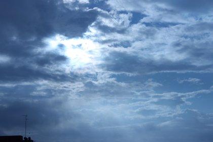 Cielos nubosos a muy nubosos en el norte de Canarias que tenderán a intervalos por la tarde de este domingo