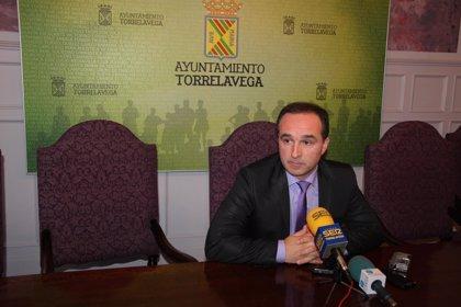 """El PP acusa a PSOE y PRC de """"privar"""" al municipio de 5 millones para financiar la piscina olímpica"""