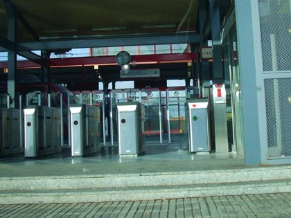 Renfe puso 65.931 multas a viajeros de Cercanías en 2013 por no tener billete