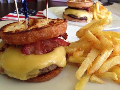 Receta de la Krispy Kreme Burger: La hamburguesa de donut