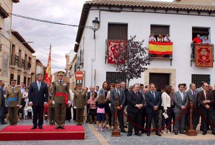 Tirado y Labrador ensalzan los valores de la bandera de España