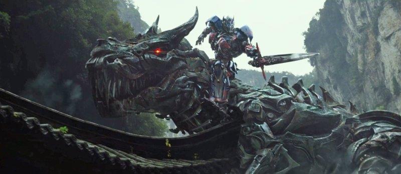 Los Dinobots en acción en los nuevos clips 'Transformers: La era de la extinción'