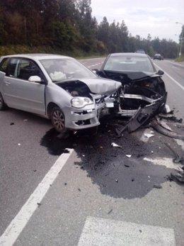 Accidente de dos turismos en la provincia de Pontevedra.