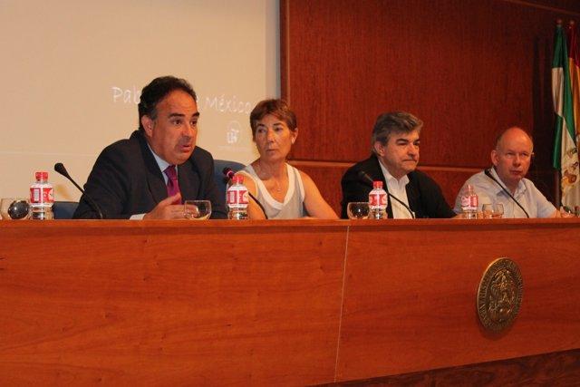El presidente de la CHG, Manuel Romero, a la izquierda