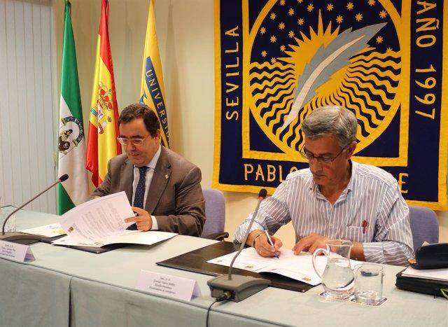 Firma de convenio entre la UPO y el Ayuntamiento de Santiponce