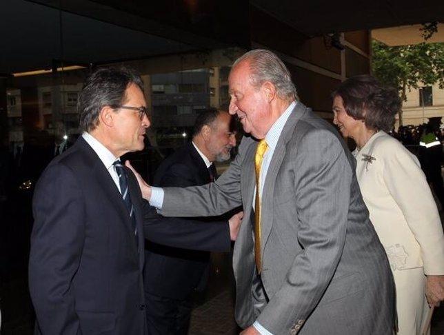 Ultimo encuentro del Rey y el pte.Artur Mas (Archivo)