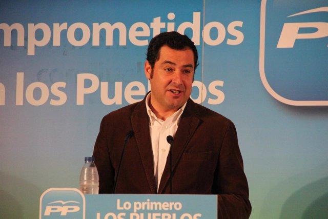 El candidato a la presidencia del PP-A, Juan Manuel Moreno, en Cortegana.