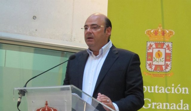 El presidente del PP y de la Diputación de Granada, Sebastián Pérez