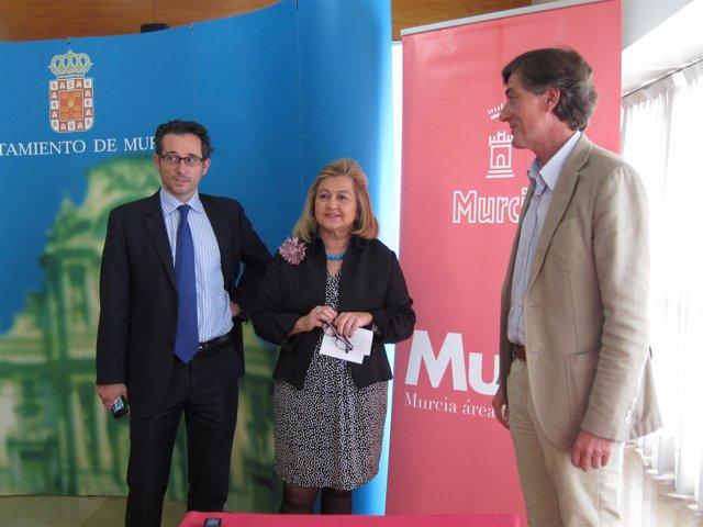 Zamora, Cano y Tortosa momentos antes de la presentación de la campaña