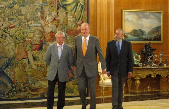 El Rey con Cándido Méndez e I.Fernández Toxo (Archivo)