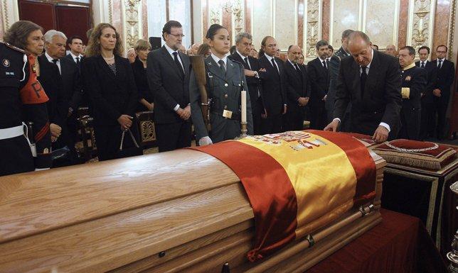 El rey en el entierro de Adolfo Suárez