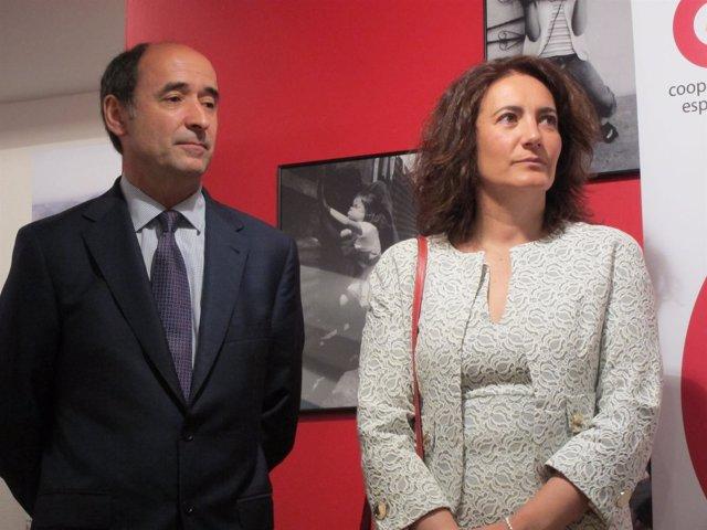 García Cirac en la exposición 'CooperaciónESdesarrollo' .