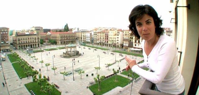 Samanta Villar muestra la Plaza del Castillo